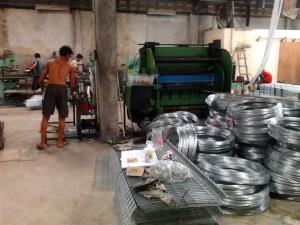 proses produksi kandang baterai